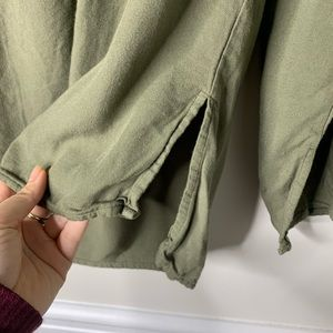 cloth & stone Tops - Cloth and stone off the shoulder olive green top S